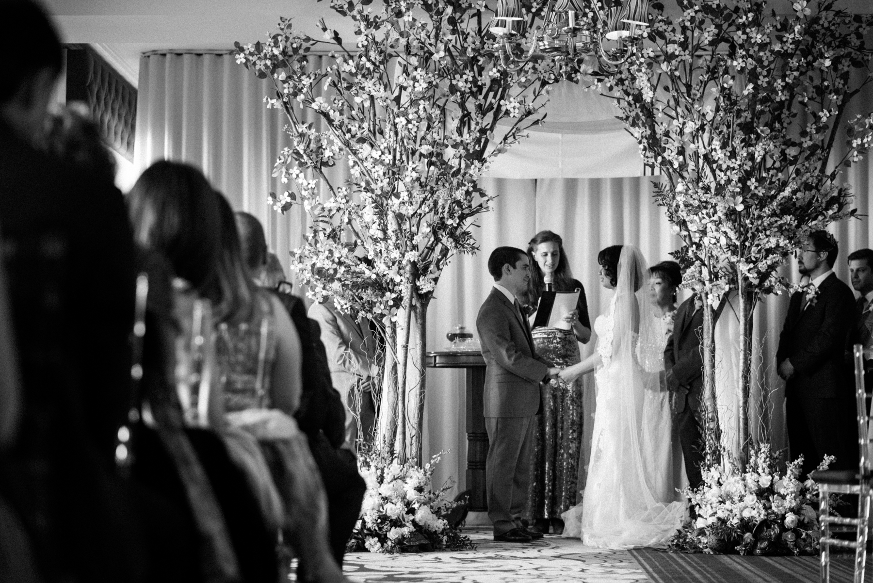 black and white wedding ceremony down town club philadelphia