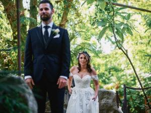 Hartley Botanica wedding first look