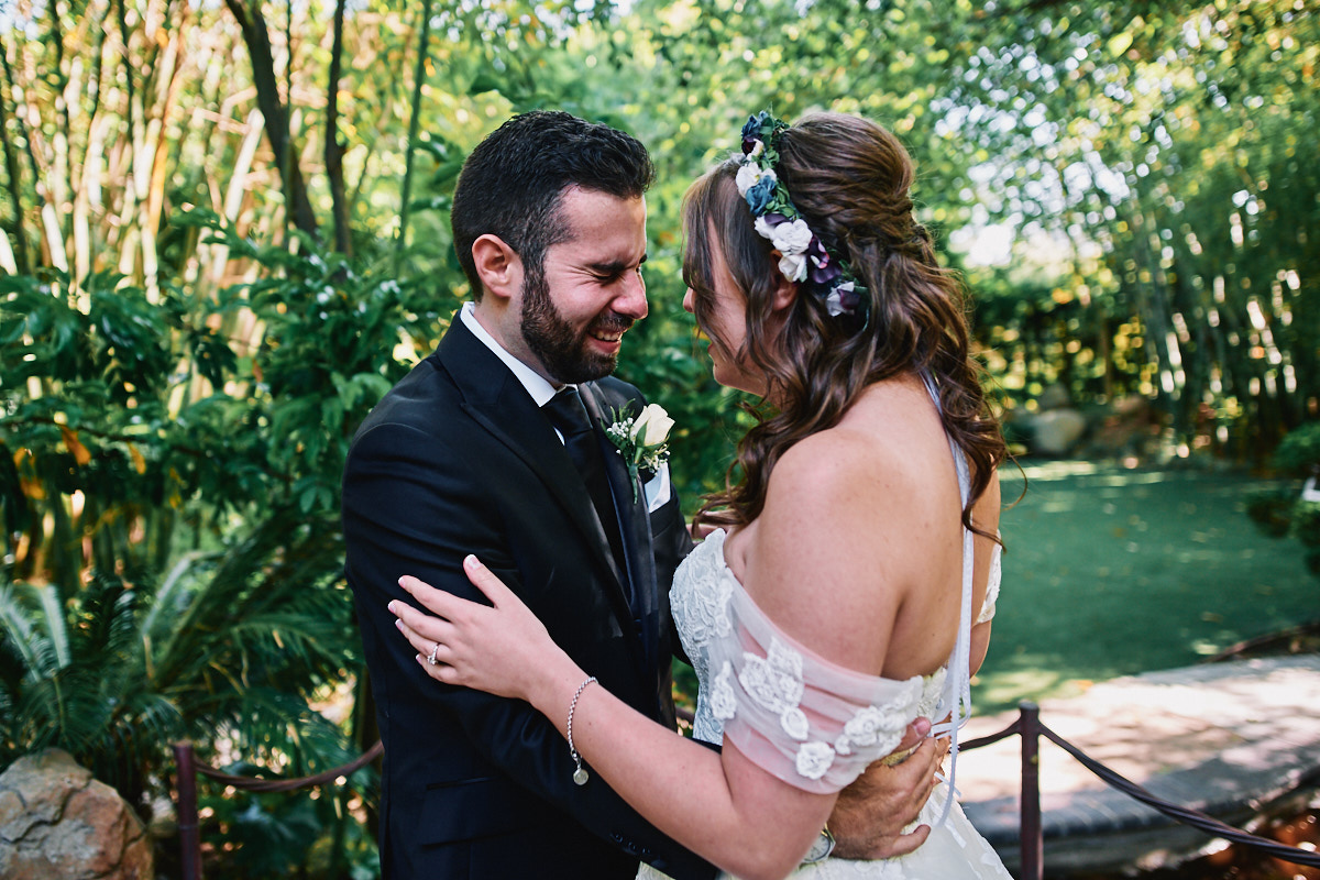 Hartley Botanica wedding first look