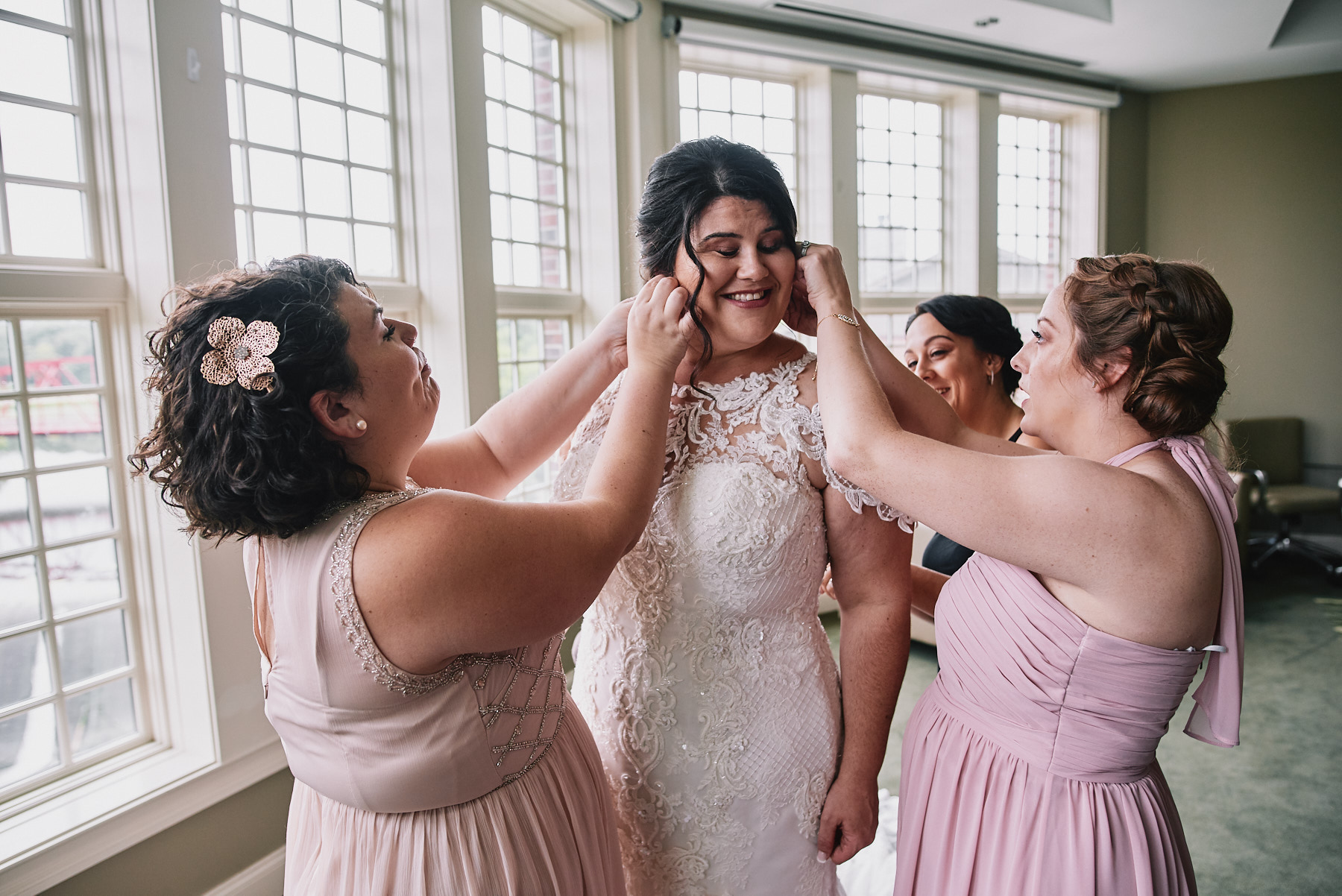 Diamond Mills Hotel wedding bridal prep